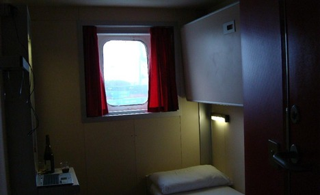 4622892-inside_the_cabin_Zeebrugge