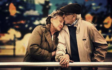 old-woman-and-man-in-love